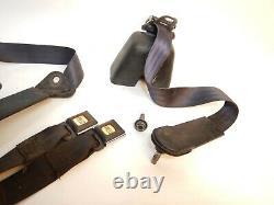 Jeep Wrangler YJ 92-95 Complete Rear Seat Belt Set Female Shoulder Harness