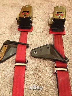 Red Rear 3 point Harness Seat Belt Set 1982-1992 3rd Gen Camaro Firebird